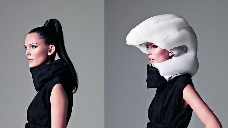Unsichtbarer Fahrradhelm:Der Hövding wird wie ein Schal um den Hals getragen - bei einem Unfall legt sich ein Airbag um Kopf und Nacken. Foto: pd-f