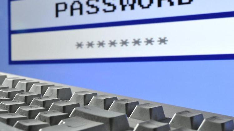 Beim PCinzwischen selbstverständlich, aber wenn es um die Sicherheit von Smartphones und Tablets geht, machen sich viele Menschen kaum Gedanken. Foto: Julian Stratenschulte
