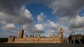 Nachrichtenüberblick: Britische Unterhauswahl 2015