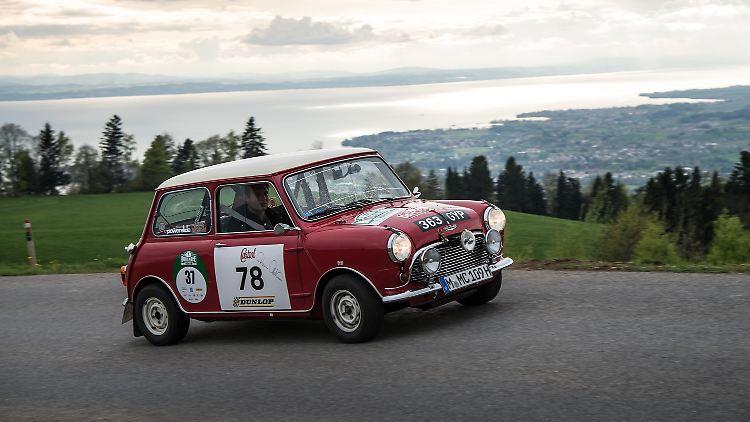 Alpenhatz Mit Dem Austin Mini Cooper S N Tvde