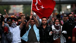 2013-06-04T193541Z_719425473_GM1E96509XE01_RTRMADP_3_TURKEY-PROTESTS.JPG3552740611448934812.jpg