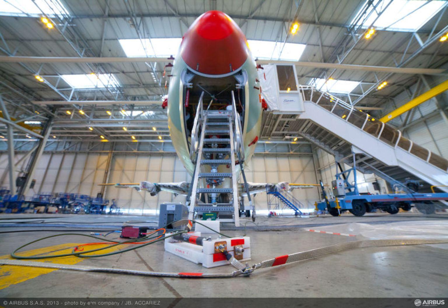 A350_XWB_lightning_test_2.jpg