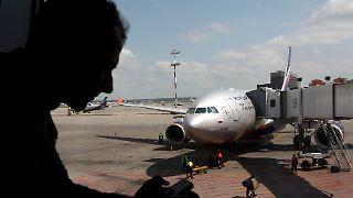 2013-06-24T090110Z_329118666_LR2E96O0P1N2Z_RTRMADP_3_USA-SECURITY-FLIGHT.JPG169081622843543475.jpg