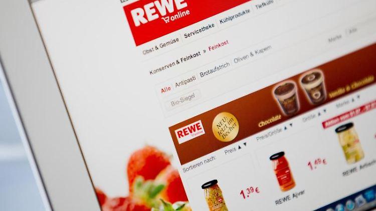 Blick auf die Internetseite von Rewe Online. Das Unternehmen bietet einen Lieferservice für Lebensmittel an.