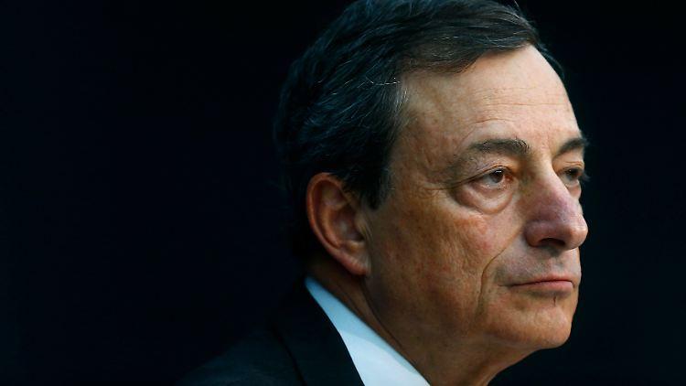 EZB-Chef Mario Draghi sieht eine Stabilisierunng der Wirtschaft - allerdings auf niedrigem Niveau.