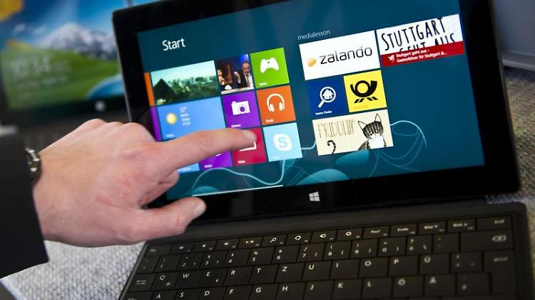 Jetzt zugreifen: Das Surface Pro von Microsoft gibt es momentan rund 100 Euro billiger. Foto: Ole Spata/Archiv