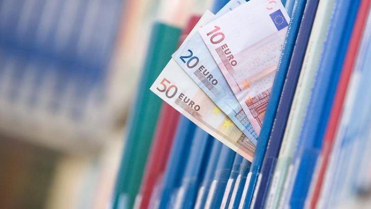 Geld vom Staat: Das steht nicht nur Studenten mit dem Bafög zu, sondern auch manchen Berufstätigen in der Weiterbildung. Foto: Friso Gentsch