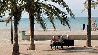 Zur Rente ins Ausland ziehen - trotzdem können in Deutschland weiterhin Steuern anfallen. Foto: Uschi Burger-Precht