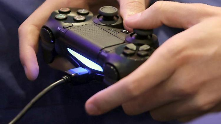 Die Playstation 4 kommt am 29. November in den Handel. Foto: Oliver Berg