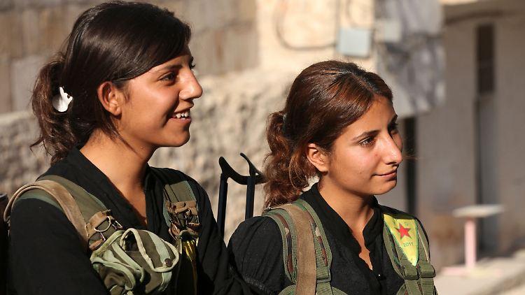 kurdish rebel fighters.jpg