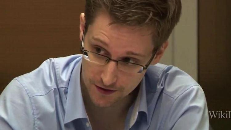Der frühere US-Geheimdienstmitarbeiter Edward Snowden hat zur Beendigung der weltweiten Massenüberwachung aufgerufen. Foto: Guardian/Glenn Greenwald/Laura Poitras/epa