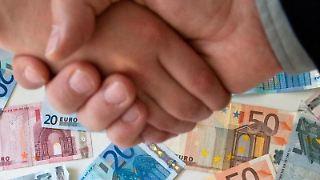 Vier von zehn Befragten unter den Finanzspezialisten hoffen in diesem Jahr auf ein Gehaltsplus. Foto:Andrea Warnecke