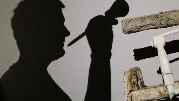 Malerarbeiten am Fiskus vorbei: Wer dann nicht bezahlt wird, hat Pech gehabt. Laut BGH besteht kein Anspruch auf Bezahlung. Foto: Patrick Pleul