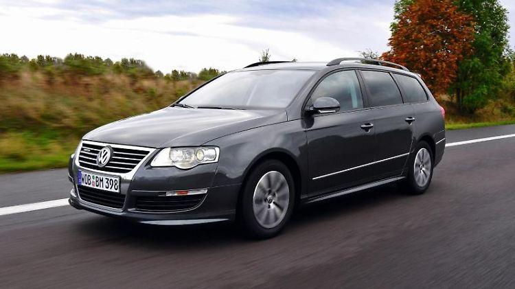 Der VW Passat ist ein geschätzter Kandidat auf dem Gebrauchtwagenmarkt. Aufgrund der teils hohen Laufleistungen ist die Mängelquote jedoch recht hoch. Foto: Volkswagen