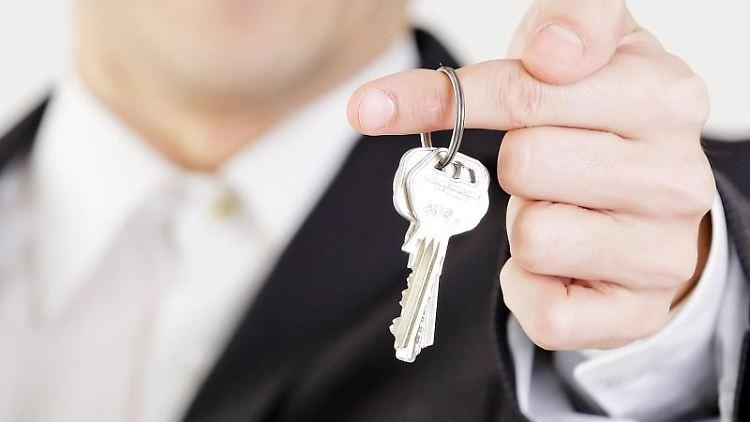 Wer einen Teil seiner Wohnung untervermieten will, sollte seinen Vermieter um Erlaubnis fragen. Dieser darf seine Zustimmung aber nur in wenigen Fällen verweigern. Foto:Monique Wüstenhagen