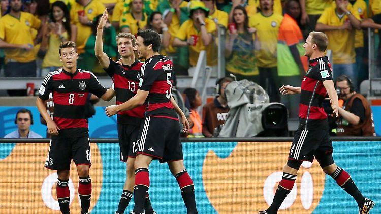 Unglaubliches Spiel Gegen Brasilien Deutschland Walzt Sich
