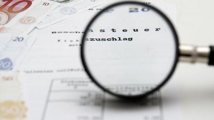 Der Steuerbescheid per Telefax gilt am dritten Tag nach Absendung als bekanntgegeben. Steuerzahler haben dann vier Wochen Zeit, wenn sie Fehler durch einen Einspruch berichtigen wollen. Foto:Andrea Warnecke