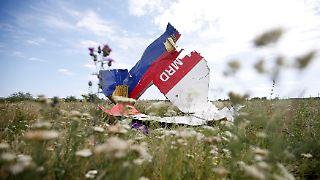 2014-07-20T161422Z_1316143968_GM1EA7L00IS01_RTRMADP_3_UKRAINE-CRISIS-AIRPLANE-KERRY.JPG2976115130353651895.jpg