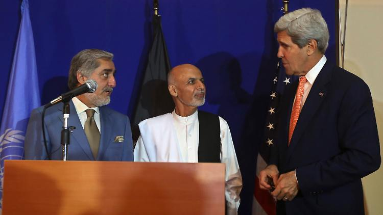 2014-08-08T125011Z_1736370810_GM1EA881LQL01_RTRMADP_3_AFGHANISTAN-ELECTION-USA-DEAL.JPG2181671538874663075.jpg
