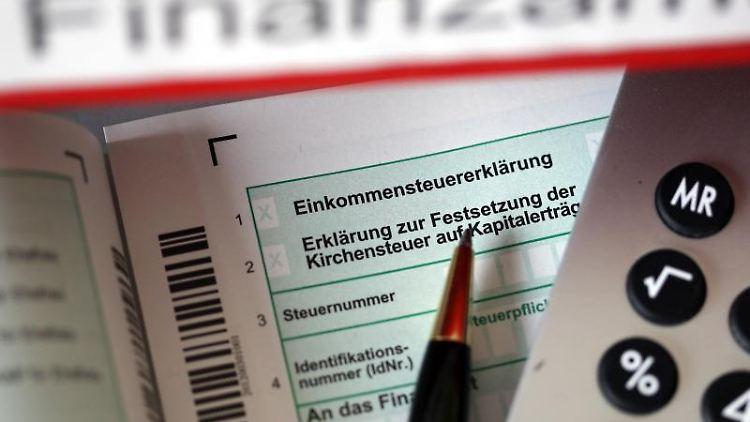 Auch für Arbeitslose kann sich eine Steuererklärung lohnen, etwa bei den Werbungskosten. Foto:Oliver Berg