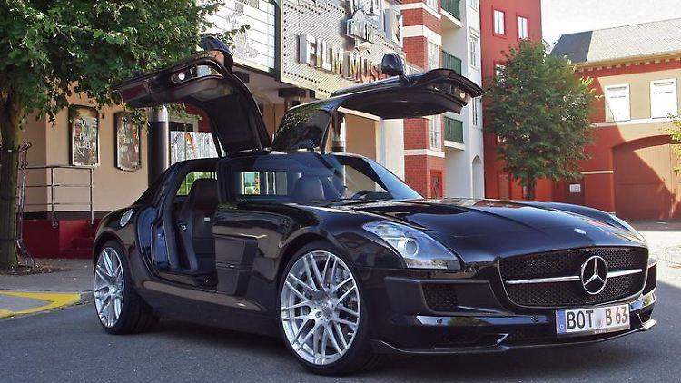 Verschärfter Flügeltürer:Den Mercedes SLS AMGveredelt Brabus zunächst nur optisch. Ein Motortuning stellt das Unternehmen aber in Aussicht. (Bild: Kuah/Brabus/dpa/tmn)