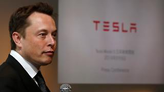 Elon Musk_Tesla.jpg