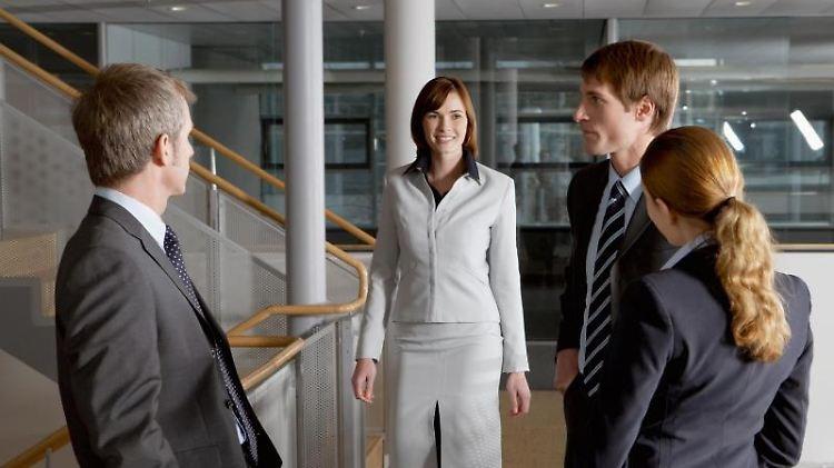 Wer im Beruf vorankommen will, sollte sich ganz bewusst mit anderen vernetzen und nicht nur fleißig im Büro seine Aufgaben erledigen. Foto:Beyond