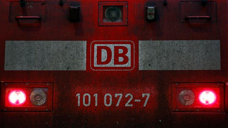2014-09-24T153213Z_1961167213_GM1EA96170C01_RTRMADP_3_GERMANY-STRIKE-RAILWAY.JPG3810269832772853107.jpg