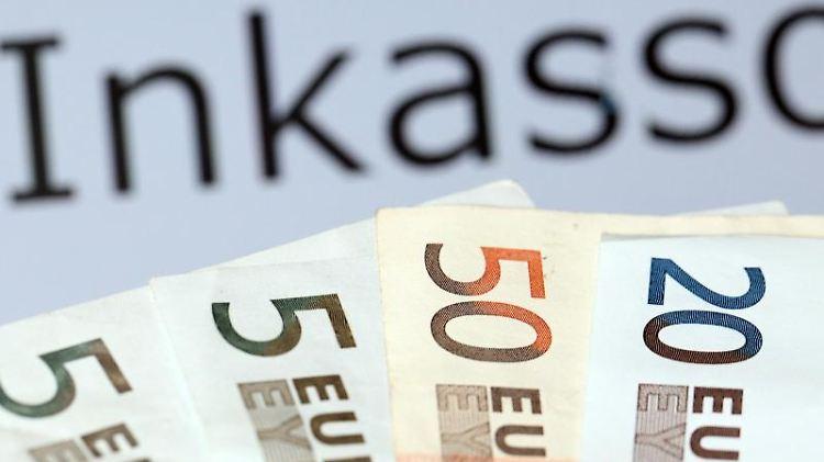 Nicht gleich zahlen - Man muss sich von einer Zahlungsforderung nicht gleich unsicher machen lassen. Foto: Bodo Marks