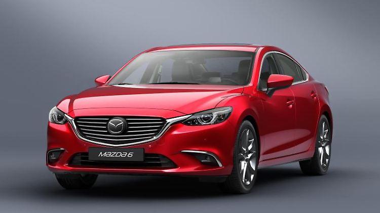 Der aufgefrischte Mazda6:Äußerlich wurde das Mittelklassemodell sehr behutsam modernisiert, innen gibt es neue Technik wie Head-up-Display und City-Notbremssystem.