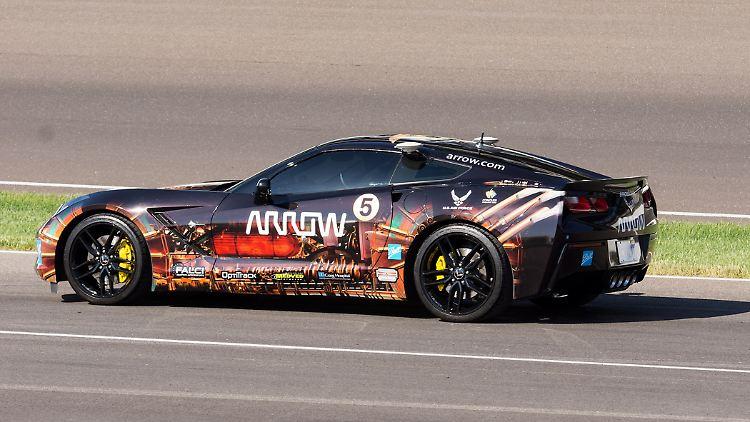 Arrow_Corvette_1.jpg