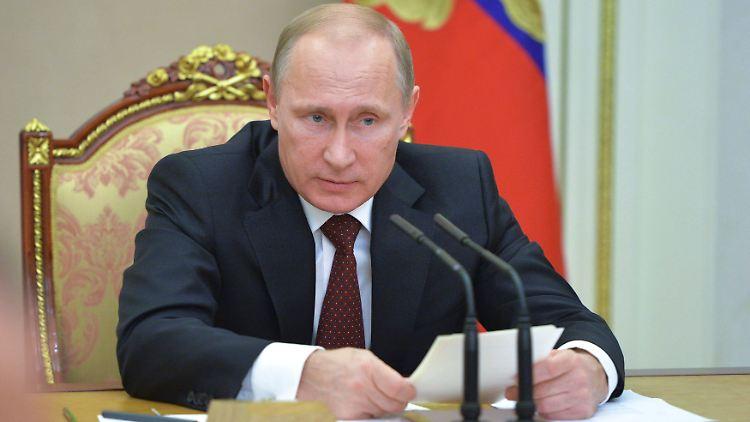 2014-11-20T153814Z_383223650_GM1EABK1TL201_RTRMADP_3_RUSSIA-POLITICS.JPG785521910678273588.jpg