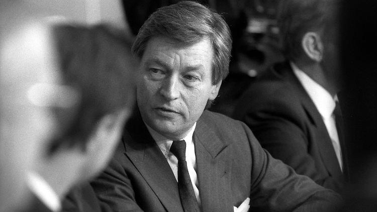 Alfred Herrhausen_1988.jpg