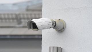InDeutschland dürfen Vermieter und Hausbesitzer ihre Immobilien nur sehr eingeschränkt mit Kameras überwachen. Foto: Felix Hörhager