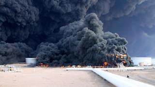 2014-12-27T153707Z_1526874327_GM1EACR1QQG01_RTRMADP_3_LIBYA-SECURITY-OIL.JPG4991315857641724433.jpg