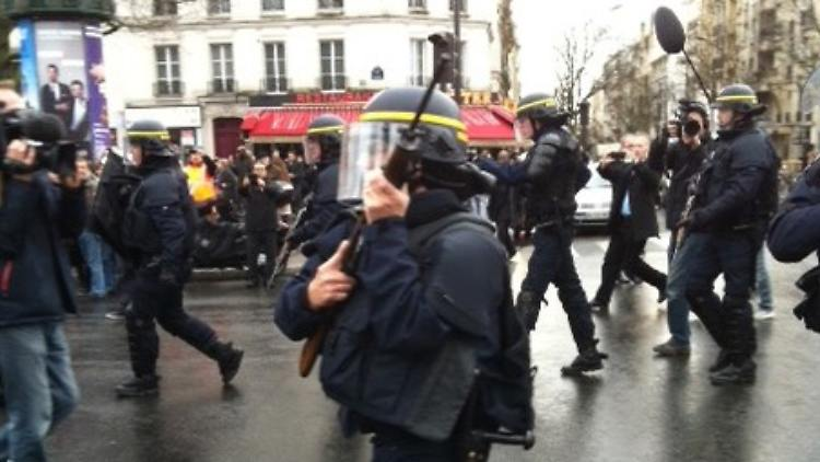 Polizei-Einsatz Vincennes.jpg