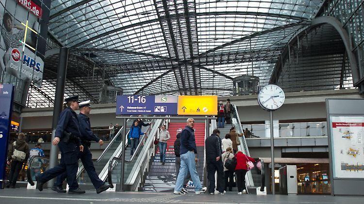 berlin_hauptbahnhof_2.jpg