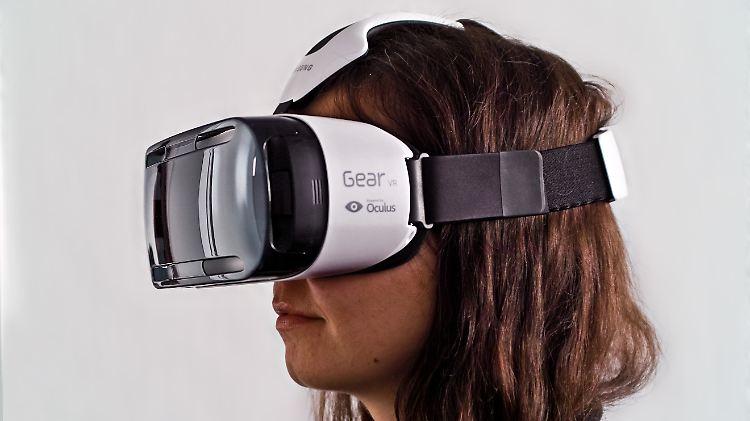 Samsung Galaxy VR IT Girl.jpg