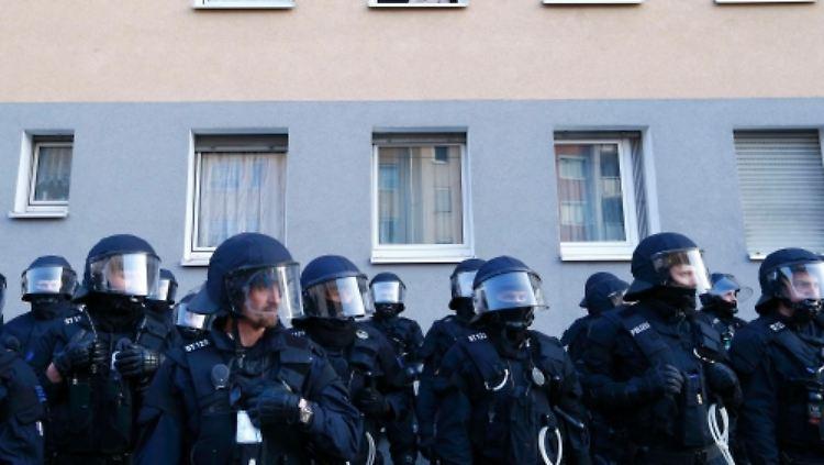 2015-03-18T162607Z_1414507745_LR2EB3I19N7ZH_RTRMADP_3_ECB-PROTEST.JPG-preview2[1].jpg