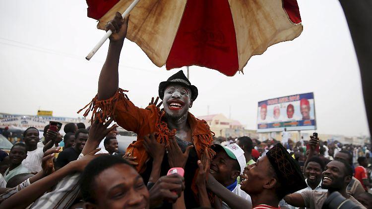 2015-03-31T185410Z_1971632892_GF10000045416_RTRMADP_3_NIGERIA-ELECTION.JPG6460653099508836586.jpg
