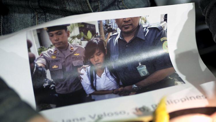 2015-04-28T212438Z_869231629_GF10000076629_RTRMADP_3_INDONESIA-EXECUTIONS.JPG6288390645033897916.jpg
