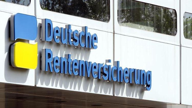 Wer nach einem Unfall nicht mehr arbeiten kann, bekommt Unterstützung von der Deutschen Rentenversicherung. Vorausgesetzt, es liegt keine strafbare Handlung vor. Foto: Soeren Stache