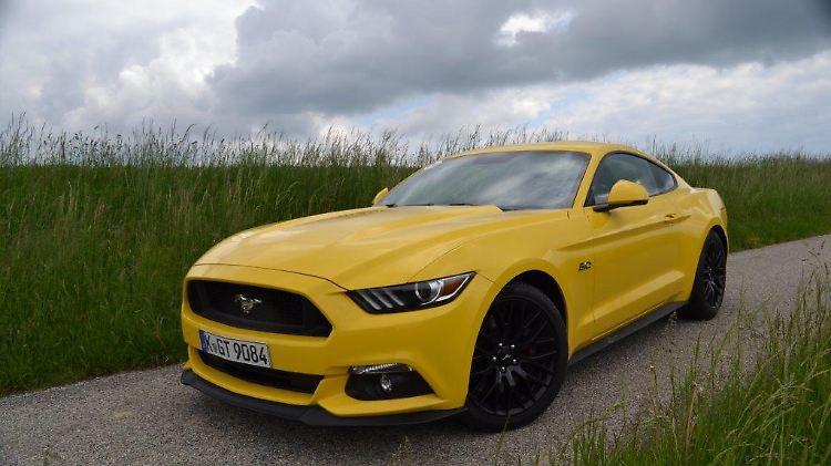 muscle cars zum kleinen preis: ford mustang - zwei heiße ponys auf