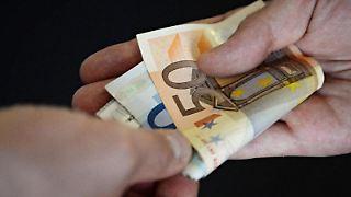 Statt Urlaubsgeld können Unternehmer ihren Mitarbeitern auch eine Erholungsbeihilfe zukommen lassen. Bis zu 156 Euro ist diese Zahlung steuer- und sozialversicherungsfrei. Foto: Franziska Kraufmann