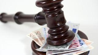 Eine Rechtschutzversicherung darf Leistungen bei Glücksspielen ausschließen. Foto:Mascha Brichta