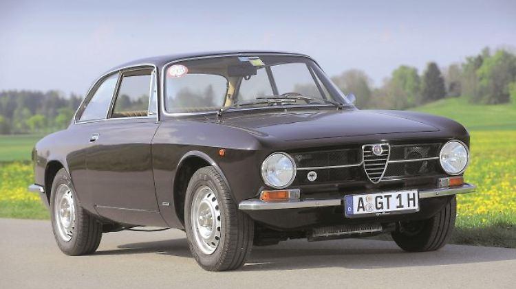 Alfa Bertone GT.jpg