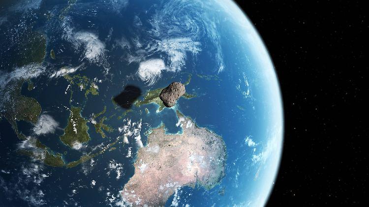 In Der Nacht Der Geister Und Dämonen Asteroid Rast Auf Die Erde Zu