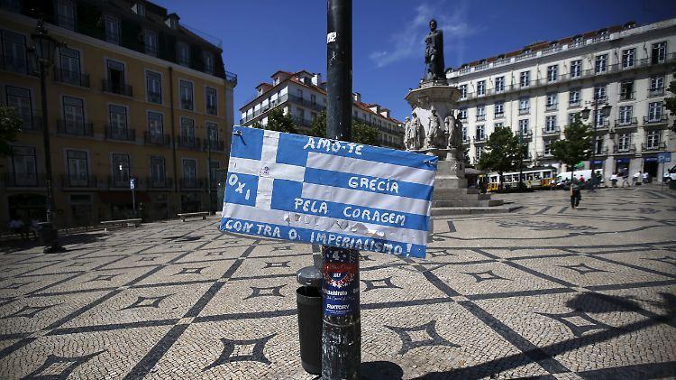 Griechenflagge in Lissabon.jpg
