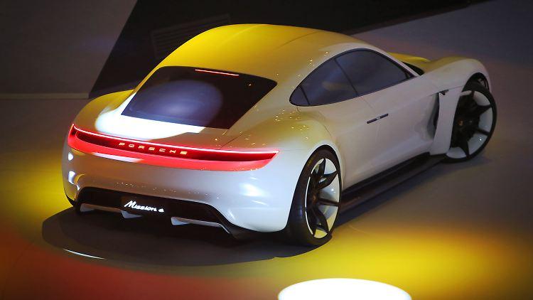 Konzepte für E-Autos gibt es in Deutschland viele, auf die Straße schaffen es aber nur wenige Wagen.