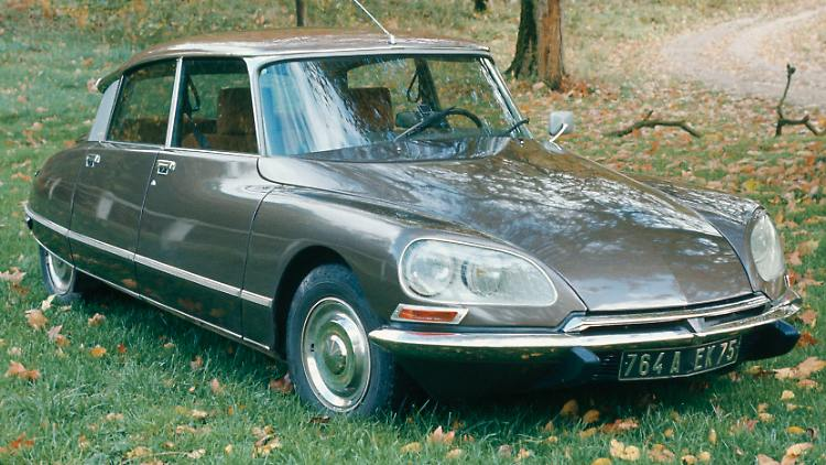 01CitroenDS23IE1973.jpg
